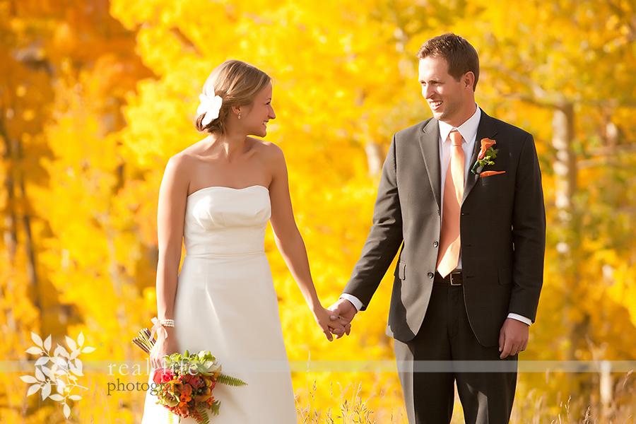 Telluride wedding couple in the peak fall beauty