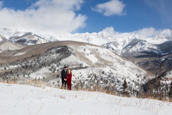 winter-telluride-engagement-photo
