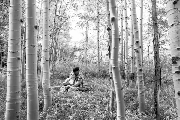 telluride-aspen-tree-engagement-photo